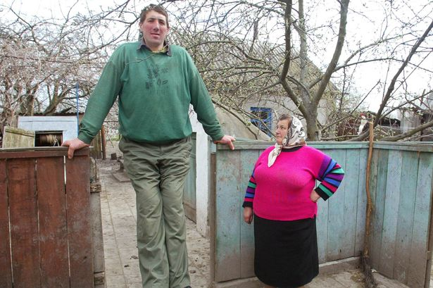 World's 'tallest man' at 8ft 4 inches dies aged 44