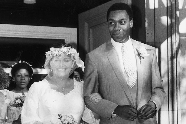 Comedian Lenny Henry marries comedienne Dawn French