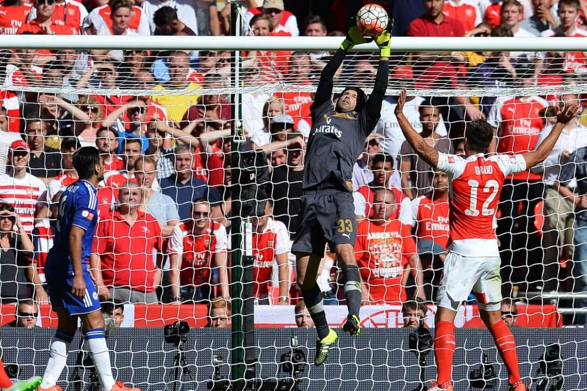 Petr Cech makes a save