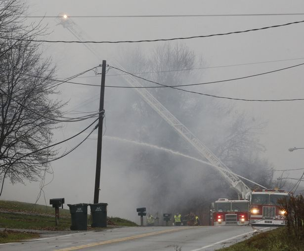 Small passenger plane crashes in Akron, Ohio
