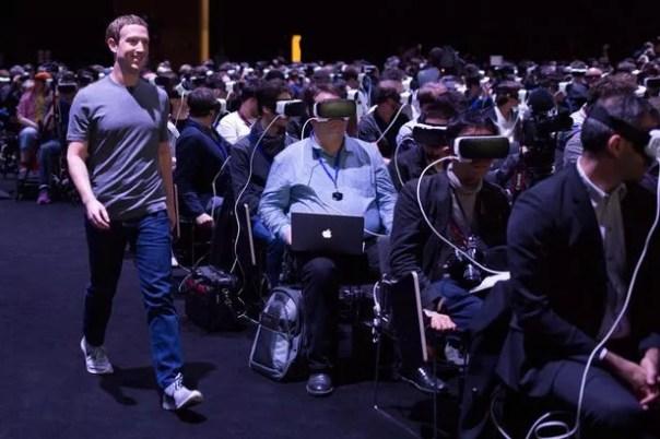 religiosidad virtual: Zuck cumple con los fieles en un lanzamiento de Samsung