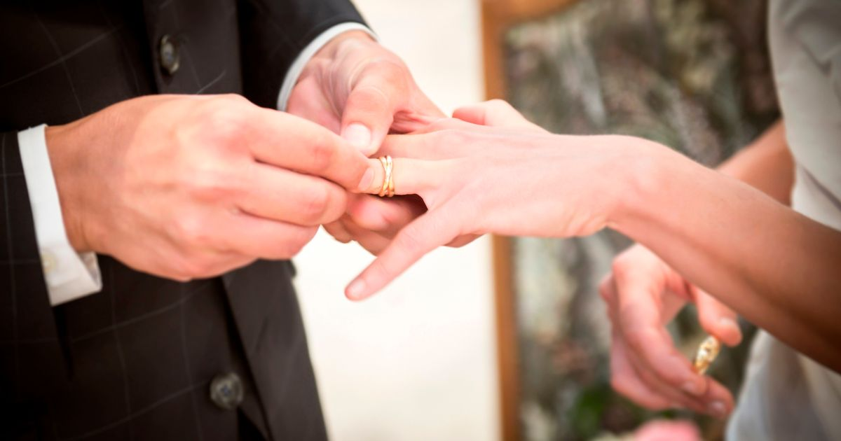 Married couples have a painful new way to show their commitment  Mirror Online
