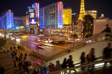 A group of Las Vegas civic leaders and Republican donors are starting a campaign to persuade the party to bring its 2016 convention to the Las Vegas Strip.