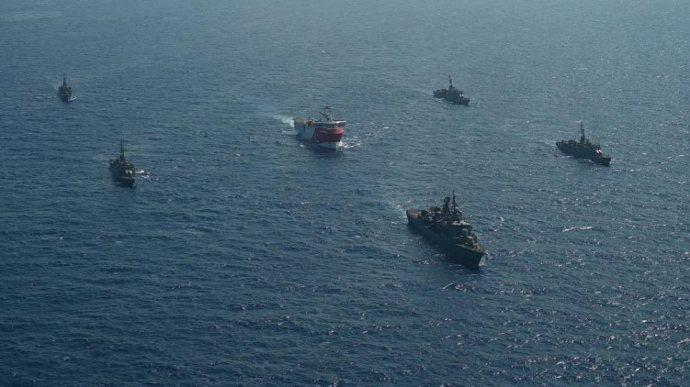Συνεχίζουν την προπαγάνδα οι Τούρκοι - Βίντεο με το Oruc Reis και τα  πολεμικά πλοία - planetgreece.gr