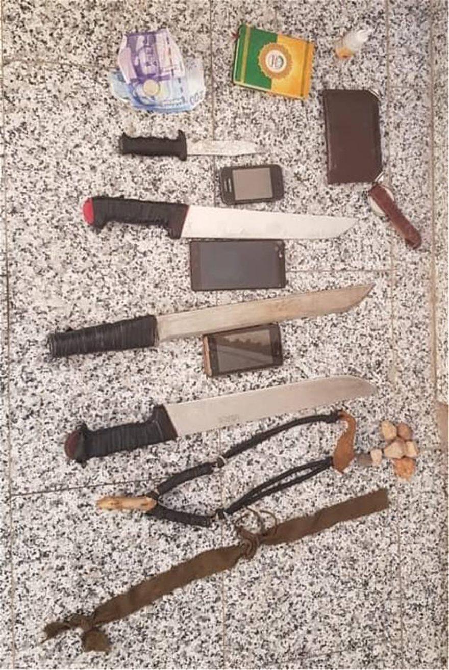 Τα όπλα που βρέθηκαν πάνω στους τρεις συλληφθέντες εχθές