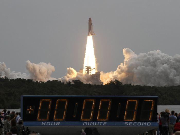 Lançamento do Atlantis, na Flórida, às 16h29 de hoje (08/07/2011) (Foto: Gary Hershorn / Reuters)