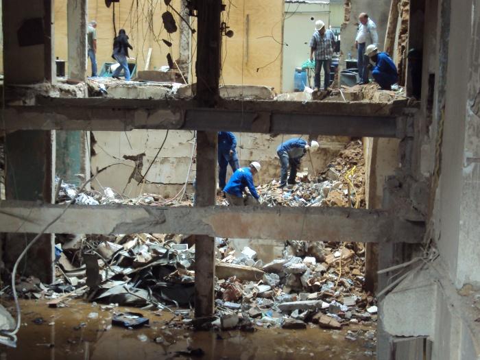 prédio-explosão2-20011019
