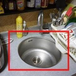 Kitchen Sink Materials Types Of Countertops 厨房装修水槽不要装单槽双槽了 现在都流行这样装 后悔知道晚了 壹读 厨房水槽按材料分钢板珐琅 陶瓷 人造石 亚克力 结晶石水槽 不锈钢 铸铁搪瓷等 按款式分单盆 双盆 大小双盆 异形双盆等 厨房装修很多人都纠结用单槽还是双槽