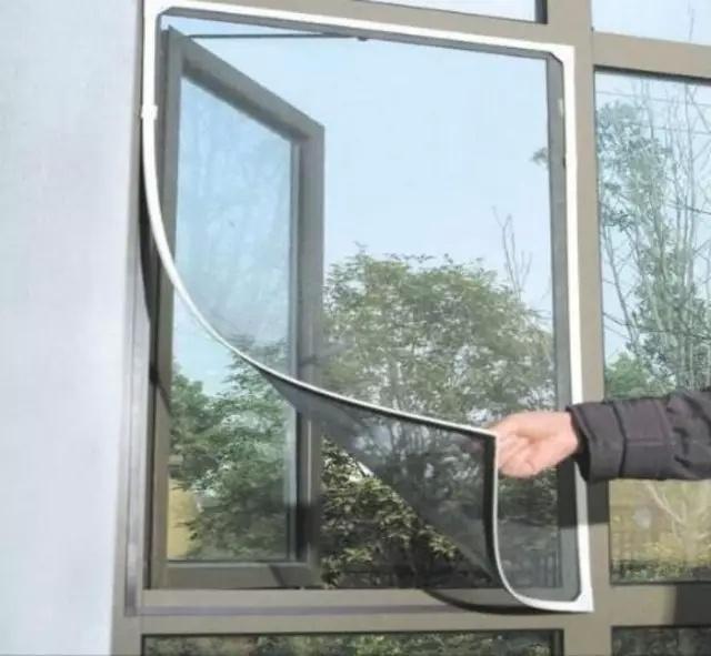 最髒最難清洗的紗窗。她竟這麼輕鬆搞定。方法太重要! - 壹讀