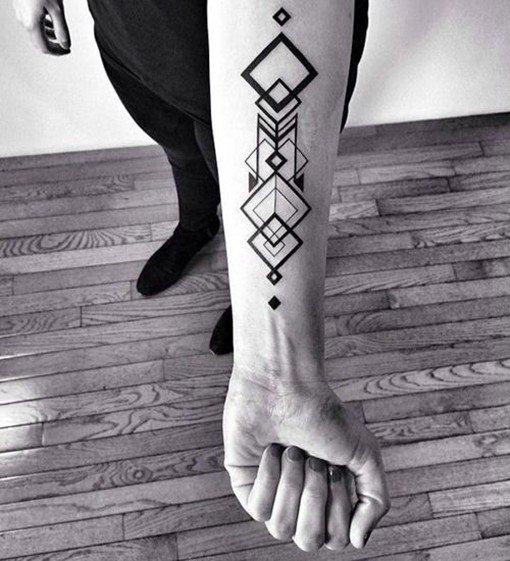 適合男生紋在手臂上的幾何圖形風格帥氣紋身圖案圖片 - 壹讀
