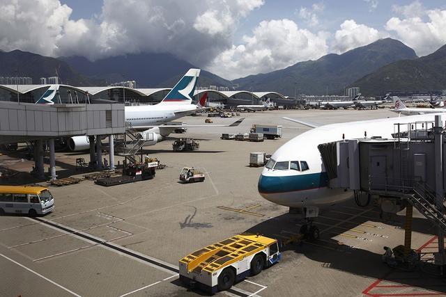 在香港機場過夜是什麼體驗?|暴走問不倒 - 壹讀