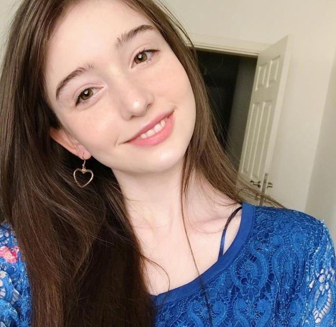 17歲土耳其美女因顏值太高走紅 網友:有點像baby - 壹讀