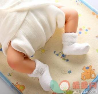 隔尿墊要準備幾個 隔尿墊的正確墊法 - 壹讀