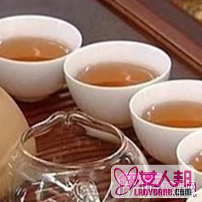 早上喝茶好嗎? 揭秘空腹喝茶的利弊 - 壹讀