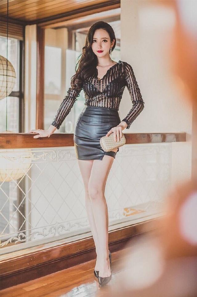 百撕不得姐——韓國都市美女李妍靜酥胸透視裝性感撩人寫真 - 壹讀