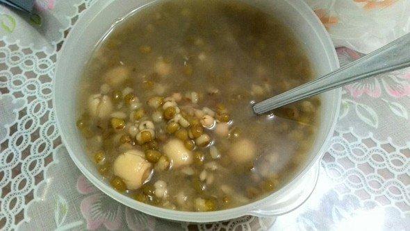 綠豆薏米蓮子粥對身體功效 綠豆薏仁蓮子粥的製作方法 - 壹讀