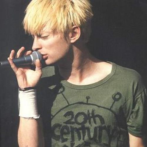 artworks 000058748169 gpq2ek t500x500 Celebrity T Shirts: Thom Yorke (Radiohead)