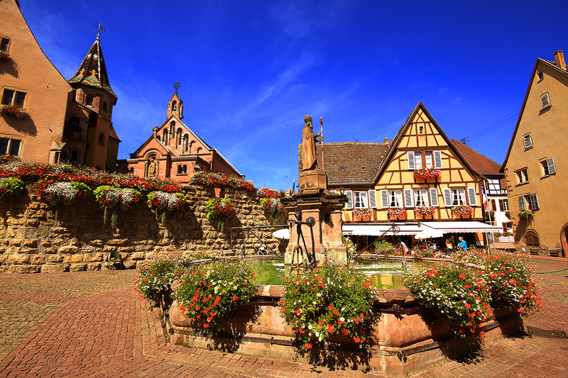 Eguisheim Place Chateau St Leon A Photo From Alsace