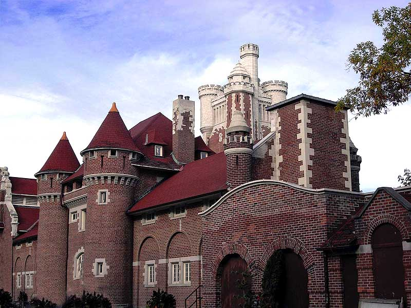 Casa Loma Stables a photo from Ontario Central  TrekEarth