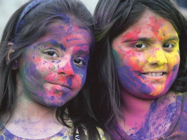 children playing Holi in Pakistan
