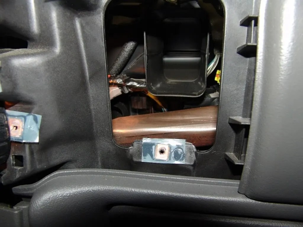 hight resolution of 2004 chevrolet silverado changing the passenger side blend door actuator b0424