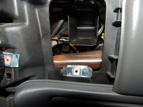 small resolution of 2004 chevrolet silverado changing the passenger side blend door actuator b0424