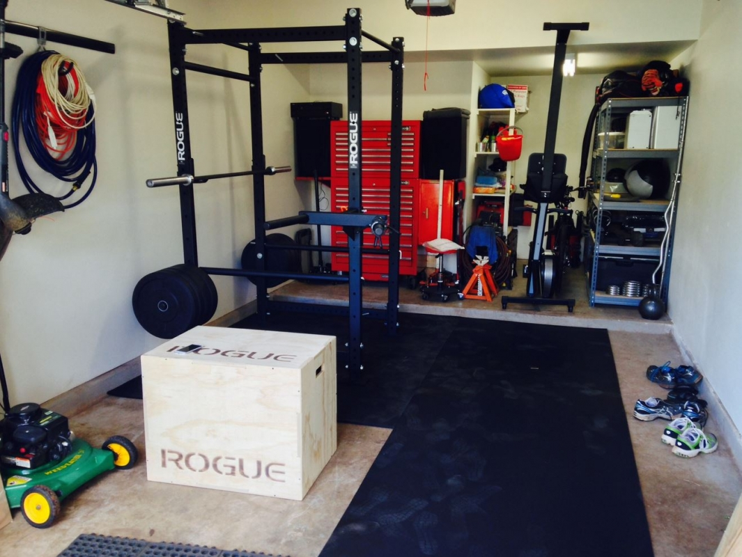 Rogue fitness garage gym crossfit year of clean water
