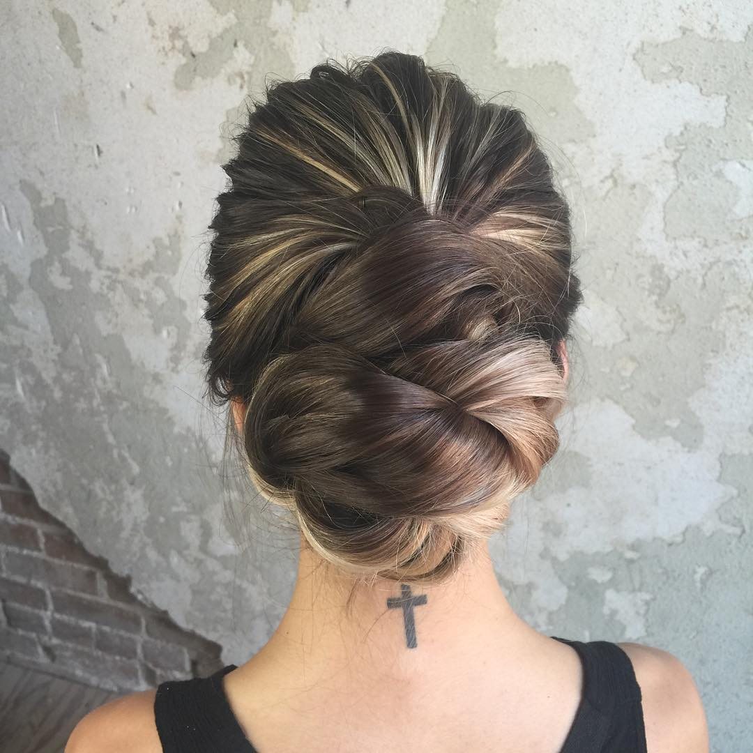 Trubridal Wedding Blog  40 Most Delightful Prom Updos for