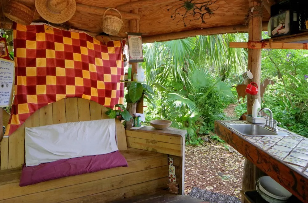 Tiny Loft Cabin On An Urban Permaculture Farm In Miami