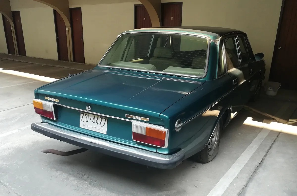 hight resolution of curbside classic 1973 volvo 164 de luxe green swede needs shoes volvo 164 fuse box location