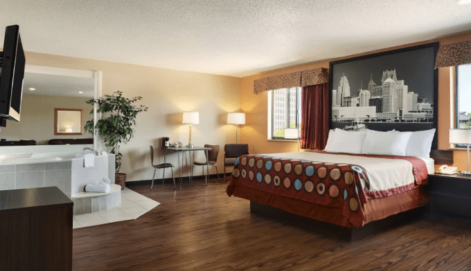 12 Hotels with Jacuzzi In Room In Detroit Michigan and