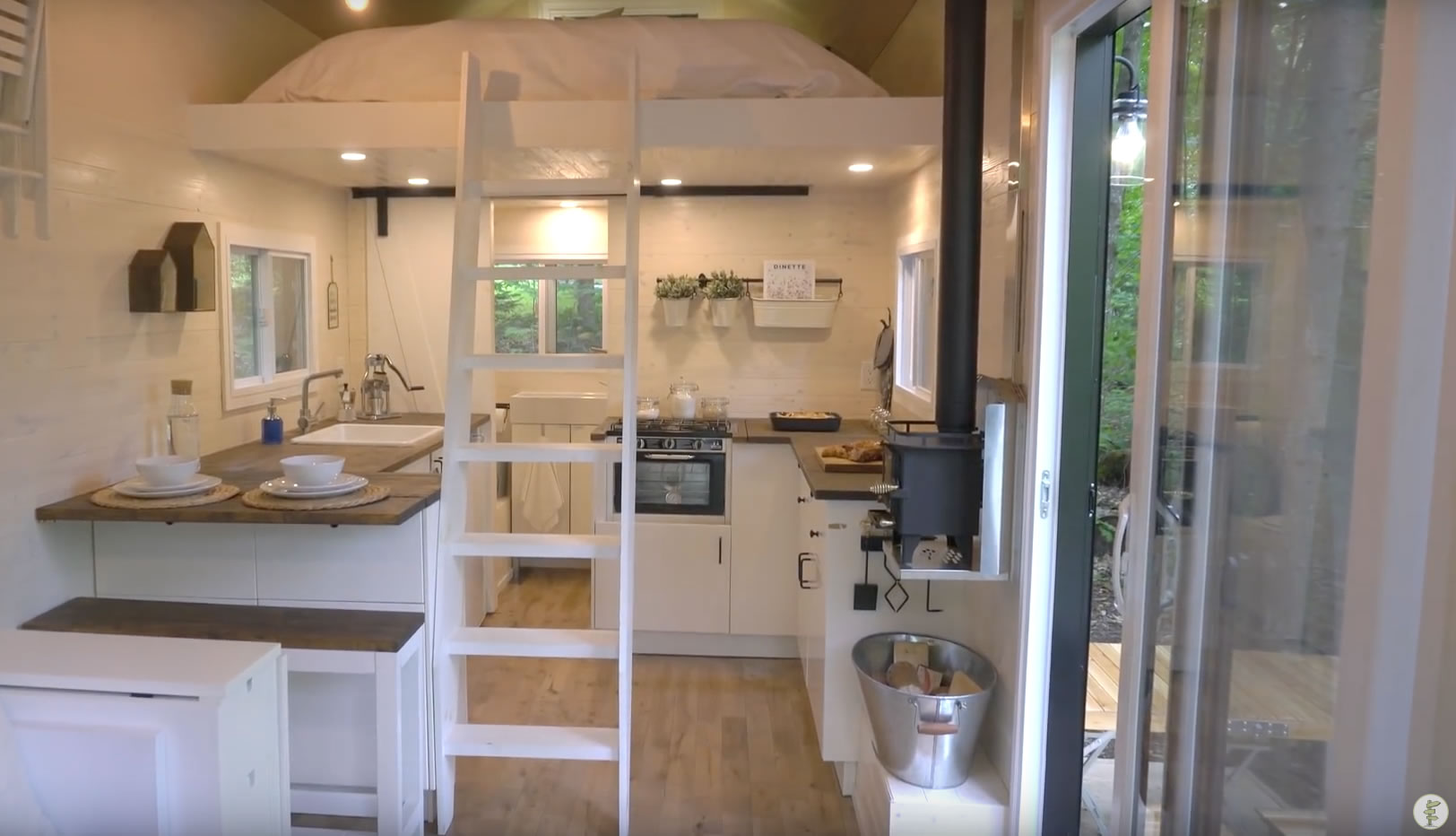 OffGrid Scandinavian Style Tiny House