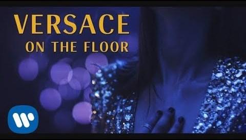 Download Music Bruno Mars - Versace On The Floor