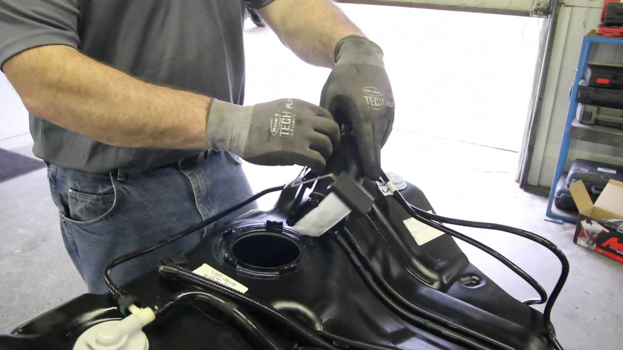 hight resolution of chevy 2010 hhr fuel filter location