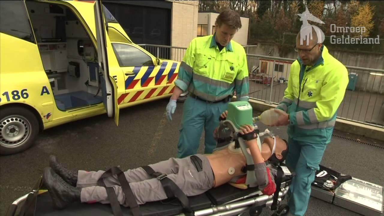 Hartmassageapparaat in ambulances  YouTube