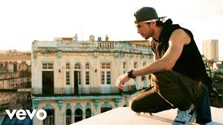 Watch Enrique Iglesias - SUBEME LA RADIO ft. Descemer Bueno, Zion & Lennox Video