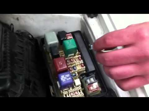 2006 Toyota Land Cruiser Fuse Box Diagram Clearing Fault Code Memory On 1999 Toyota Corolla Youtube