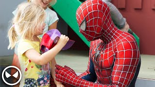 Spider-Man Surprises 400 Kids - Movie Costume with Muscle Suit