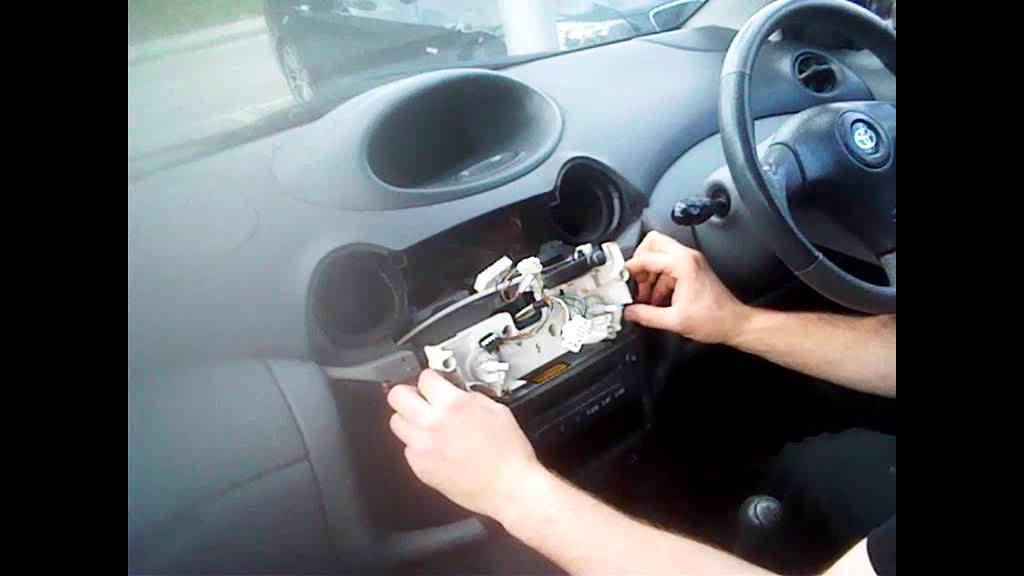 2003 Highlander Fuse Box Radio Removal Toyota Yaris 1999 2005 Justaudiotips