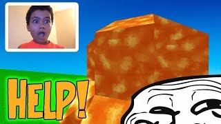 TROLLING A R WHILE HE'S STREAMING! (Minecraft Trolling)
