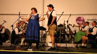 Gstanzl gegenseitiges Aussingen: Riegler Hias und Renate Maier