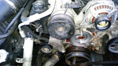 small resolution of 2006 jeep commander fuel filter location
