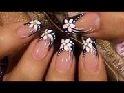 formal event black & white nail