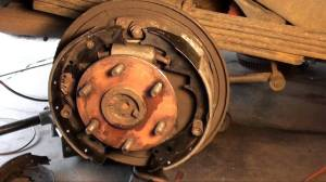 How to replace drum brakes, wheel cylinders and front pads