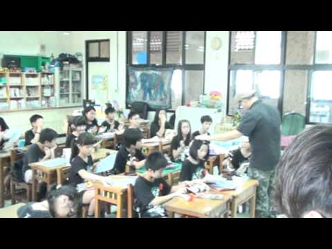 2013基隆武崙國小畢業典禮-教室話別 - YouTube