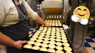 Pasteis de Belem - A Visit To The Famous Bakery In Belem / Lisbon