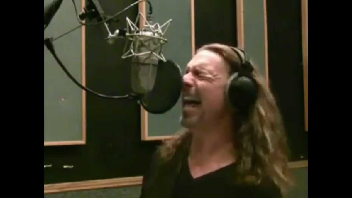 How To Sing BETTER Than Anyone Else! - MUST SEE THIS ...