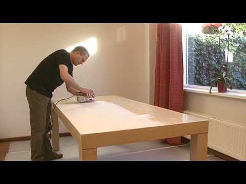Houten tafel verven  Rambo Pantser Lak hout interieur