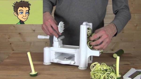 "Paderno World Cuisine Spiral Vegetable Slicer ""spirooli"