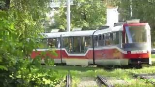 Trams in Moscow near VDNX. Новые трамваи в Москве - ВДНХ